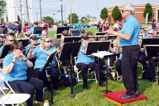 Pull Up a Lawn Chair for Strongsville Community Band Concerts